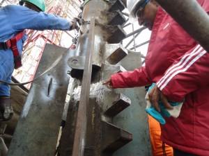 Rajeev showing difficult leg teeth repair on Heritage rig in 2014